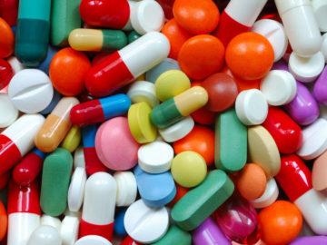 1485714151963 filepicker nwxcvhmfqksovuayhbod pills 3734b1 360x270 - Названы лекарства, приводящие к сердечному приступу и инсульту