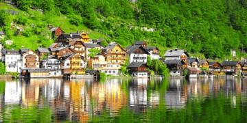 copied the small town galshtat 02 360x180 - ТОП-10 самых необычных городов мира