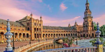 ploshchad ispanii sevilya ispaniya 360x180 - Интересные факты о Испании