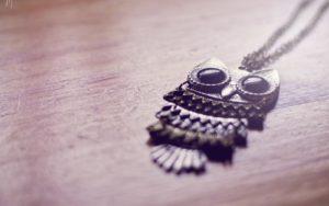 owl jewelry pendant wallpaper 300x188 - 10 признаков того, что ваши умершие близкие рядом