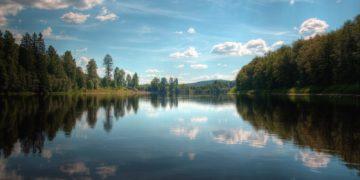 earth lake 19140 360x180 - В какой стране больше всего озёр?
