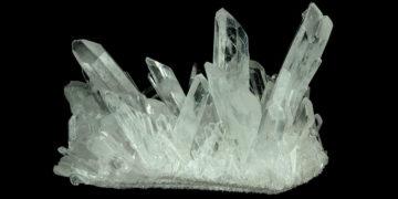 quartz crystals for sale 360x180 - 8 интересных фактов о кварце