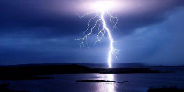 s1200 3 360x180 - 25 интересных фактов о молниях
