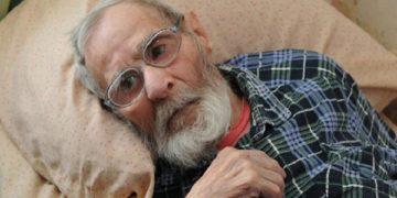 804387 360x180 - Родные привезли деда в дом престарелых. Уходя, его внук задал отцу один вопрос