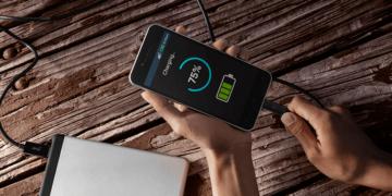 d5397a43364f10927d1a1b4c544937c0 360x180 - 15 простых лайфхаков, чтобы дольше сохранить уровень заряда смартфона