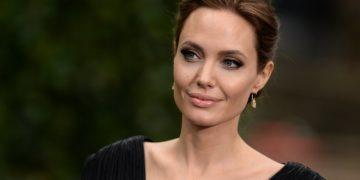 064 360x180 - ТОП-10 лучших фильмов с Анджелиной Джоли — расхитительницей гробниц и похитительницей сердец
