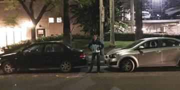 1 9 700x366 1 360x180 - Война за парковку длиною в 1.5 часа: девушка показала молчаливое противостояние водителей под её окном