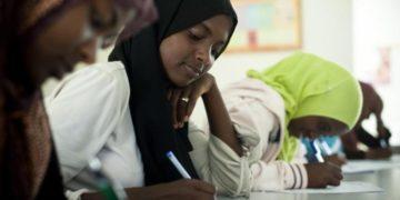 1387 990x658 360x180 - Девушка из Эфиопии сдала школьные экзамены через полчаса после родов