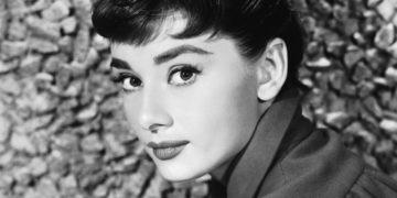 image 1 5 360x180 - ТОП-10 лучших фильмов с Одри Хепбёрн: прекрасной леди мирового кинематографа