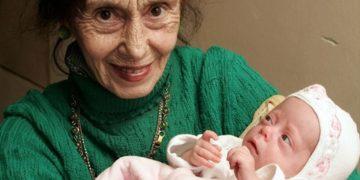 maxresdefault 5 360x180 - Женщина родила дочь в 67 лет. Как выглядит она и ее дочка спустя 14 лет.