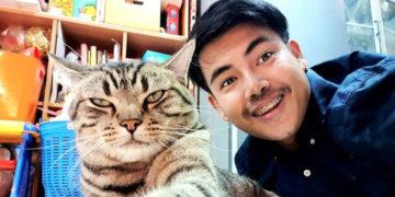 yayvvpvpyyvp 700x366 360x180 - Парень установил в спальне скрытую камеру и узнал, как кот относится к нему по ночам