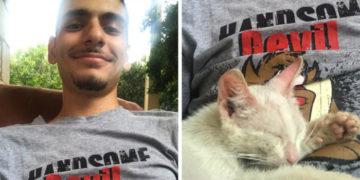 yvapvyapv 700x366 360x180 - Парень проснулся и увидел, что на нём спит грязный бездомный котёнок. Он сжалился и забрал его себе