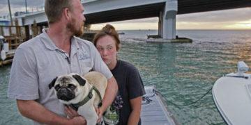 12322 360x180 - «Мы потеряли все за 20 минут»: пара хотела начать новую жизнь на яхте, но счастье продлилось всего два дня