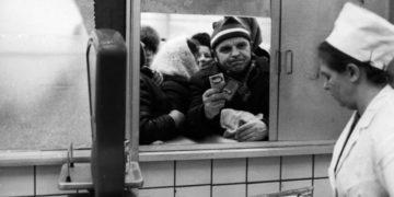 bannedphotos07 800x450 360x180 - 33 фотографии про «прекрасное советское прошлое»