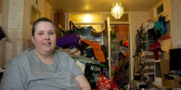 img 7204 800x533 360x180 - «Ад, в котором я живу»: вот во что британка-барахольщица превратила свой дом