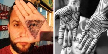 vfuayyakpvchrasomlro 700x366 360x180 - 20 крутых татуировок на ладони, с которыми дать пять вас станут просить куда чаще