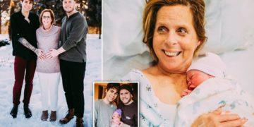 11645586 0 image a 102 155391548 360x180 - Семейный расклад: 61-летняя американка выносила и родила ребенка для своего сына-гея и его бойфренда