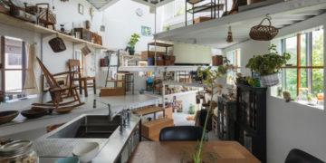 1565186080 50d425ded32977eb14b6558fbb960a12 700x366 360x180 - Семья из Японии живёт в доме, который снаружи выглядит обычным. Но внутри у него 13 этажей!