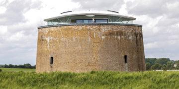 1565705398 8f35809fa2ba2befc8e06bf599f7d8ec 700x366 360x180 - Эту невзрачную башню построили в XIX веке, но не судите её по внешности — ведь внутри у неё XXI век