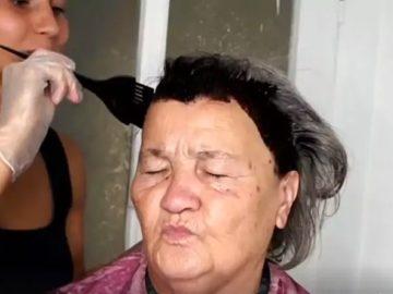 1 864 360x270 - Стилист взяла краску для волос, ножницы, палетку с тенями и невероятно преобразила 80-летнюю бабушку, вернув ей молодость и красоту
